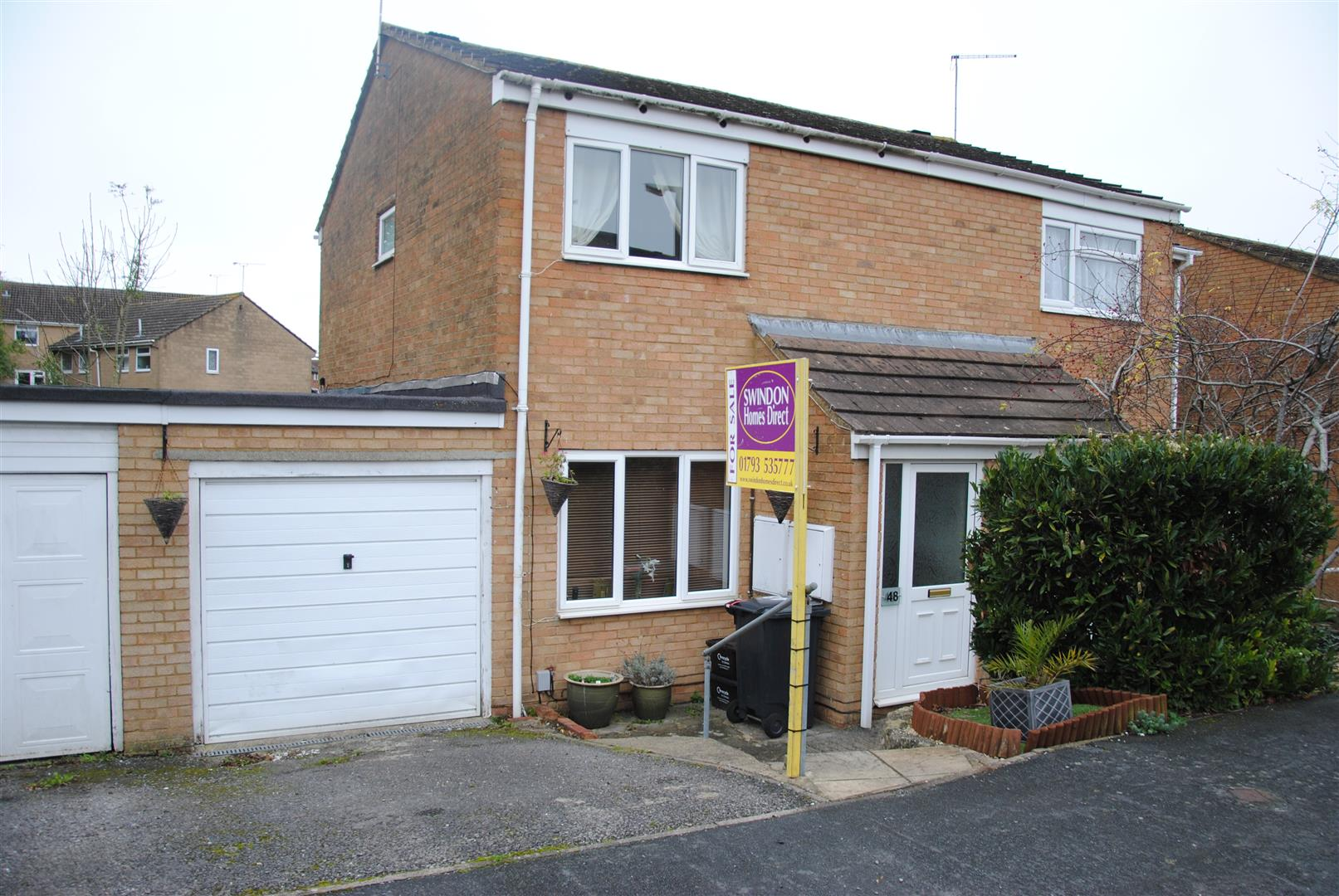 2 Bedrooms Semi Detached House for sale in Luddesdown Road, Toothill, Swindon